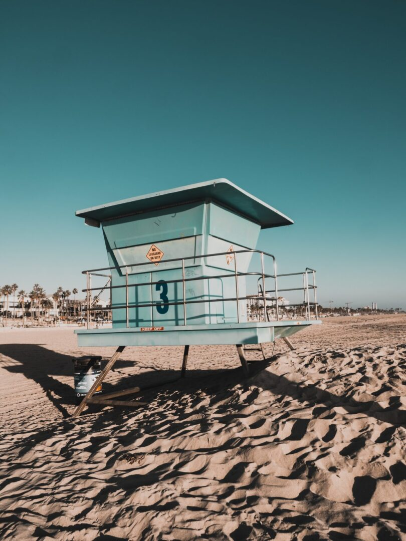 lifeguard-tower-2060301